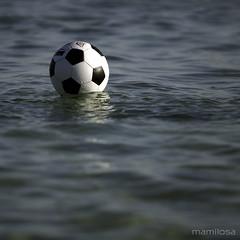 siamo ancora in alto mare (ma[mi]losa) Tags: sea nikon mare d200 bari juventus sconfitta mamilosa micheledefilippo campionatodiseriea20102011 barijuventus10