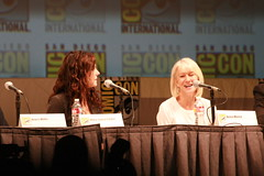 IMG_0083 - Mary-Louise Parker & Helen Mirren (Anime Nut) Tags: red comiccon cci helenmirren sdcc marylouiseparker