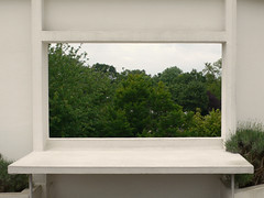 (Laurianne Lopez) Tags: paris france window photography terrace lopez lecorbusier laurianne 2007 pottingtable villasavoie charlesdouardjeanneretgris
