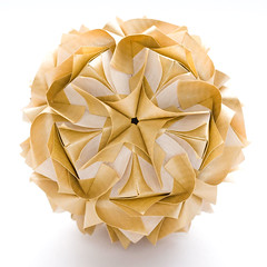 Royal rose kusudama by Maria Sinayskaya