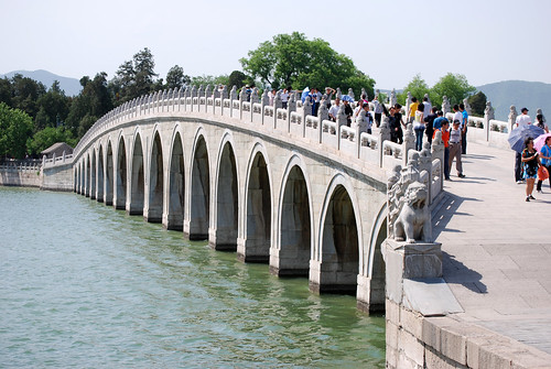 t6 - Seventeen-Arch Bridge
