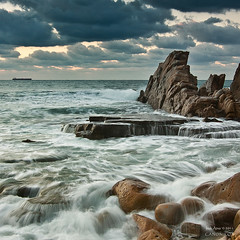 Lumine Motus (Azkorri) (saki_axat) Tags: sea sky seascape nature water clouds rocks waves bizkaia azkorri luminemotus