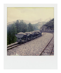 * (Daniel Espinoza) Tags: film instant polaroid sx70 impossibleproject analogphotography analogue analogica pellicola filmphotography schweiz suisse suiza switzerland mountains