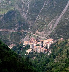 village de Pierlas (b.four) Tags: village paese pierlas bascians alpesmaritimes ruby5 ruby10