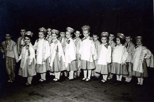1.klases deju kolektīvs, 1957-58 māc. gads, SkReizina023