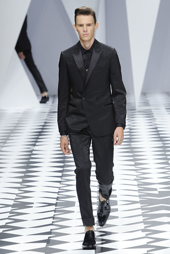 SS11_Milan_Versace0041_Thomas Hassler(VOGUEcom)