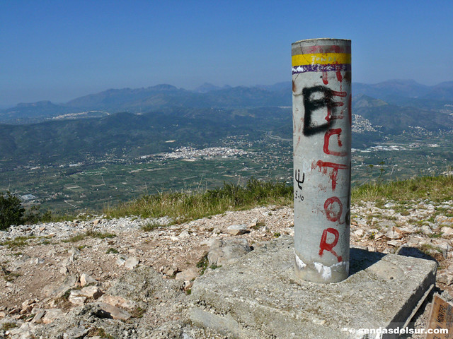 La Bèrnia y el Puig desde el Montgó