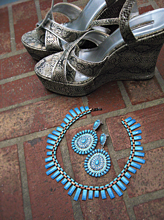 snakeskin wedges+turquoise earrings+vintage matisse necklace