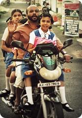 fort cochin 1 (hanna.bi) Tags: india fort kerala motorcycle schoolgirls cochin kochi hannabi