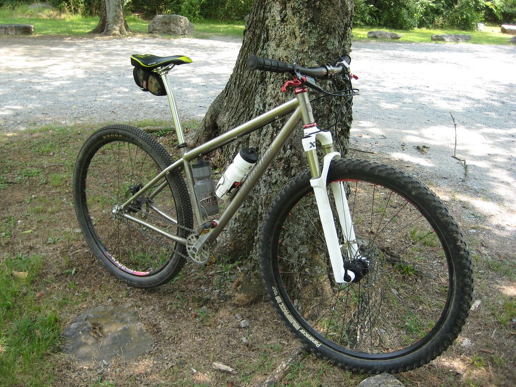 Quiring with Reba 29 XX 20mm maxle at Hamilton Creek mtn bike trail