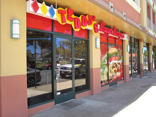 Hawai'i Burger Review!: #5 Teddy's Bigger Burgers, University