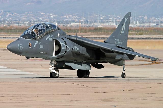 """McDonnell-Douglas TAV-8B Harrier II BuNo 163860, VMAT-203 """"Hawks"""""""