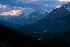 Banff NP (zacksyl) Tags: park sunset mist canada mountains fog river rockies rocky canadian national valley banff rockymountains banffnationalpark peyto