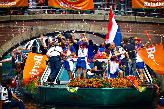 Oranje Honouring Amsterdam
