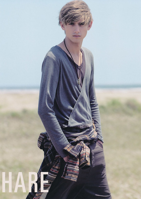 Jannik Schulz5001_HARE early fall2010(Dazed&Confused Japan83_2010_08)