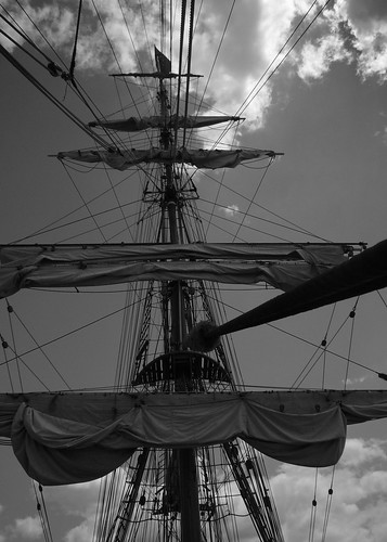 240_sails+rigging_B&W_5x7