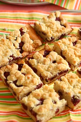 Streusel Cake (Katrin Gilger) Tags: food apple cake cherry apfel kuchen obst kirsche streusel