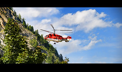 Rescue Mission (Palentino) Tags: rescue mountain switzerland fly suiza swiss helicopter zermatt montaa volar rescate kamov helipcoptero