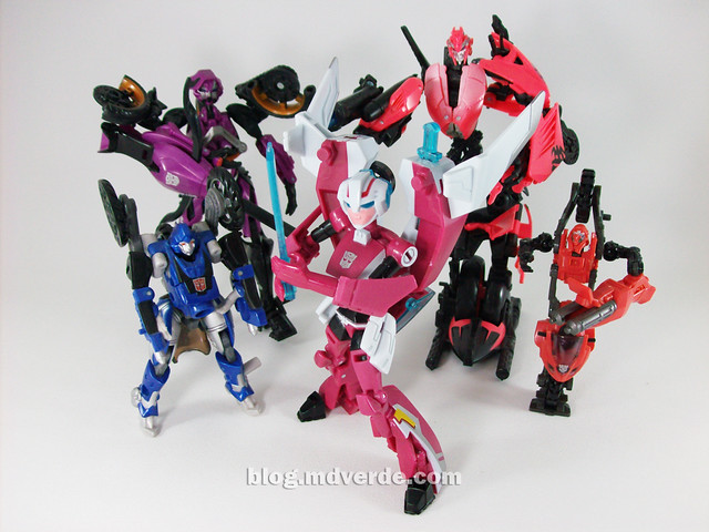 Transformers Arcee Animated Deluxe vs otras Arcees - modo robot
