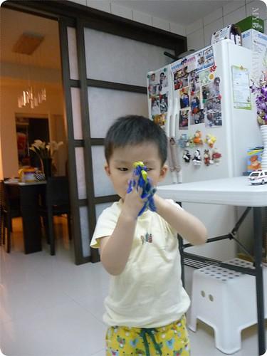 2Y8M第一次在家「玩」水彩 (5)