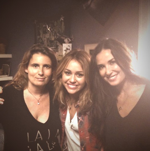 Miley-Cyrus-Demi-Moore