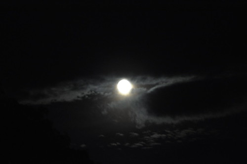 Moon by Pirlouiiiit 24072010
