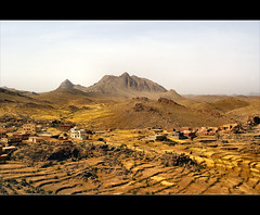 a small  village......... (atsjebosma) Tags: mountains hot landscape quiet village morocco silence maroc bergen tafraoute antiatlas landschap taroudant stilte mywinners anawesomeshot atsjebosma ergwarm berdorpje maarzorustig