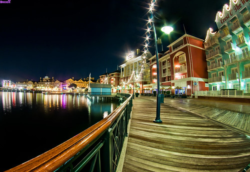 BoardWalk Villas Night Shot