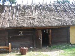 Upplands Väsby 028 (catarina.berg) Tags: house history archaeology sweden cottage homestead sverige vikings middleages reconstruction upplandsväsby outdoormuseum