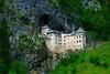 Il castello nella grotta / The castle in the cave (AndreaPucci) Tags: castle slovenia cave castello grotta canoneos400 predjama canonefs1855mm3556 andreapucci