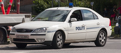 Politi Ford Mondeo 2.5 V6 (Danish Emergency Vehicles.) Tags: b ford car denmark fotograf police first olympus e 400 danish bil law motor enforcement ba emergency danmark bu patrol vejle services babu dansk vogn stw mondeo evolt politi danemark p4 policie politibil responder rmp panser p37 e400 ordensmagt a streifenwagen polzei politiet amatr kretj tjenestebil patrulje strmer beredskab amatrfotograf ordensmagten kreds danishe patruljevogn sydstjyllands udrykningskretj patruljebil politivogn politipatrulje politikreds