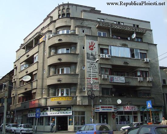 Art Deco in Ploiesti - Bloc la intersectia strazii Unirii cu sl erou Calin Catalin