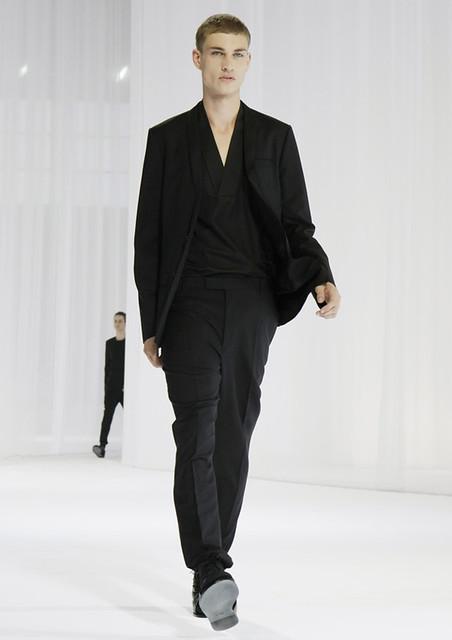 Johannes Linder3226_SS11_Paris_Dior Homme(160g)
