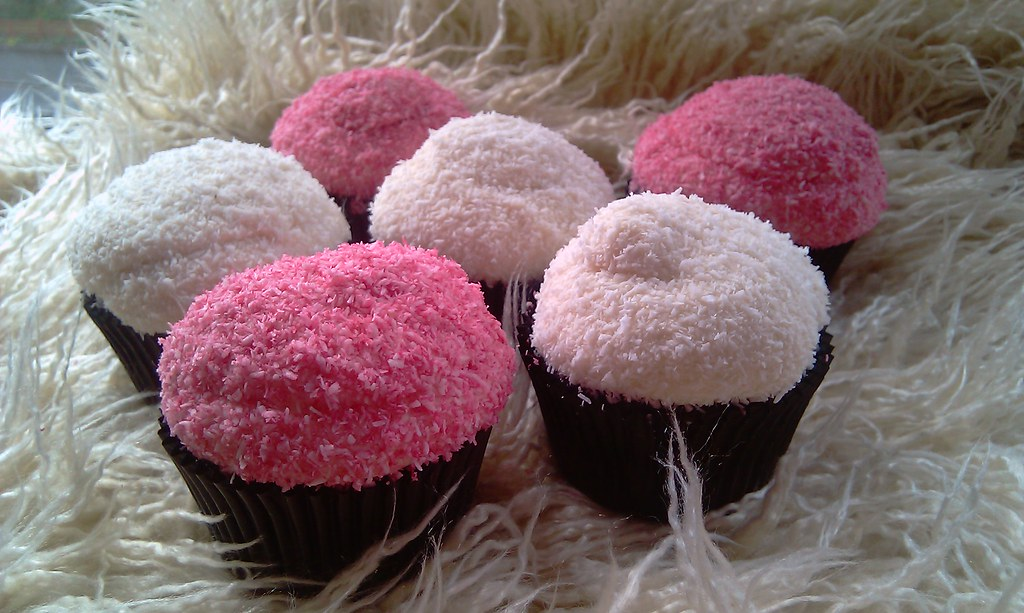 snowball cupcakes in pink raspberry or coconut, with vegan marshmallow ...