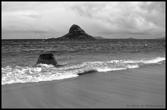 Mokolii Storm (wblanch8) Tags: ocean summer mountain beach clouds landscape hawaii oahu kualoaregionalpark nikond90