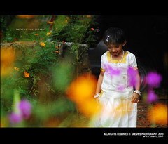 In search of flowers for pookalam (Smevin Paul - Thrisookaran !! www.smevin.com) Tags: