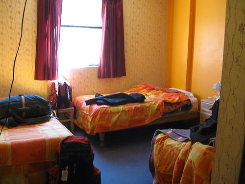 2010-4-peru-170-chivay-hotel inside