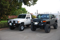 76 and an fj (shine_on) Tags: truck inch lift desert mud offroad 4x4 dunes 4 toyota jeddah suv fj landcruiser saudiarabia cruiser rains  lifted    bahra    feshfesh  70series lc70