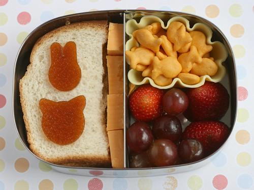 Lunchbots preschooler lunch