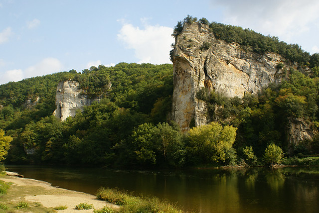 holidays-Dordogne-river-valley-france