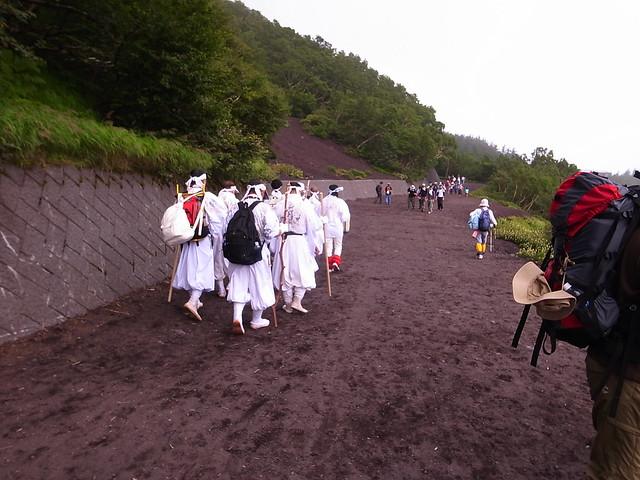 富士山登山(吉田ルート) Climb Mt.Fuji(Yoshida Route)