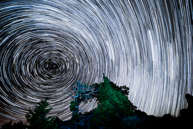 Monitor Star Trails