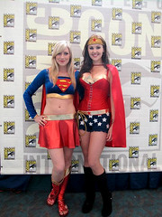 Supergirl + Wonder Woman (Screen Team) Tags: wonderwoman supergirl comiccon 2010 katiewilson angiegriffin filmbadgers moviemob saffronsinclaire screenteam