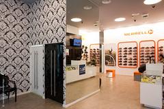 Diesel Merrell Ikea Matosinhos (Mão Livre) Tags: ikea retail design diesel livre mão merrell matosinhos