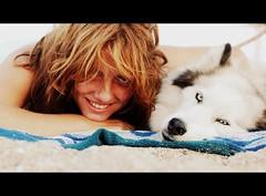 (Anuk Irulan) Tags: blue friends woman dog sun white eye beach dogs girl smile face eyes sand hands husky hand arm blueeyes smiley siberianhusky sands impressedbeauty huskye siberyan woolysiberianhusky