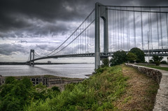 the Verrazano-Narrows Bridge (mudpig) Tags: nyc newyorkcity bridge cloud ny newyork beach brooklyn geotagged manhattan hudsonriver statenisland hdr narrows verrazano verrazanonarrows i278 fortwadsworth mudpig stevekelley