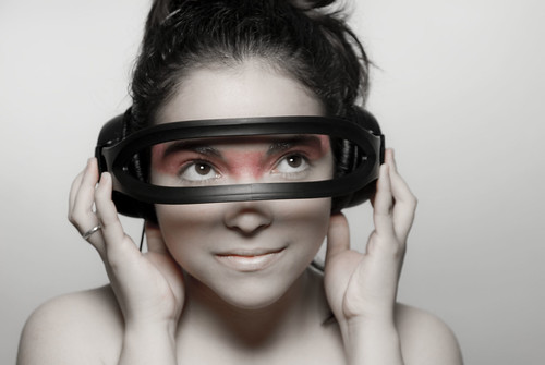 [フリー画像] 人物, 女性, スタジオ, ヘッドフォン・イヤフォン, 201012041500