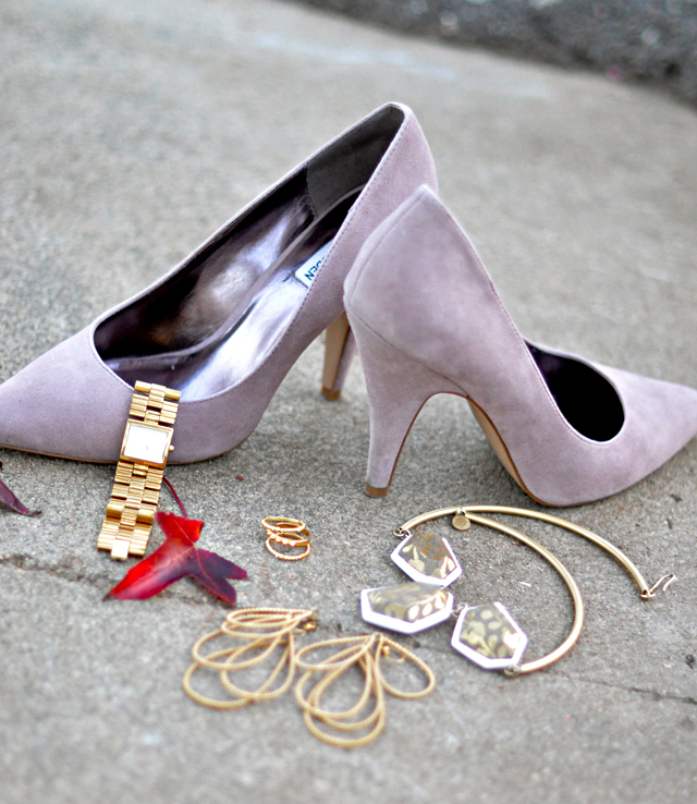 suede pumps, pointy toe heels, gold accessories, marc by marc jacobs necklace, rachel roy earrings, D&G watch, shoes, jewelry, accessories, fashion, DSC_0131
