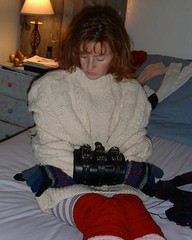 DSCF2023_2 (facecover) Tags: sweater gloves redheads