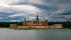 Cloudy (Cajofavi) Tags: cloudy castle water tree kalmar sweden slott nd ndfilter longexposure sky cloud clouds kalmarslott kalmarcastle